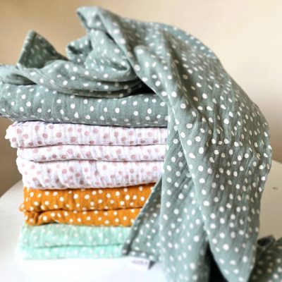 Muslin Wrap : Small Smudge Dot