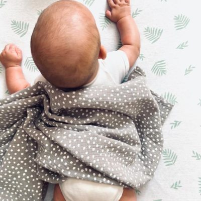 Small Smudge Dot Muslin Wrap – Stone