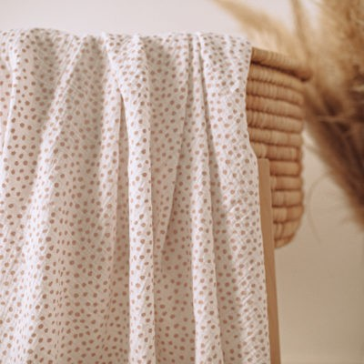 Small Smudge Dot Muslin Wrap – White With Blush